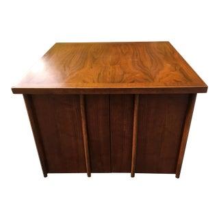 Lane Mid-Century Modern Walnut Side Table For Sale