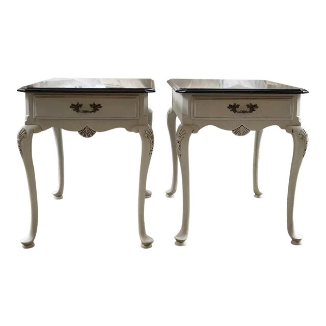 20th Century Queen Anne Lexington End Tables - a Pair For Sale