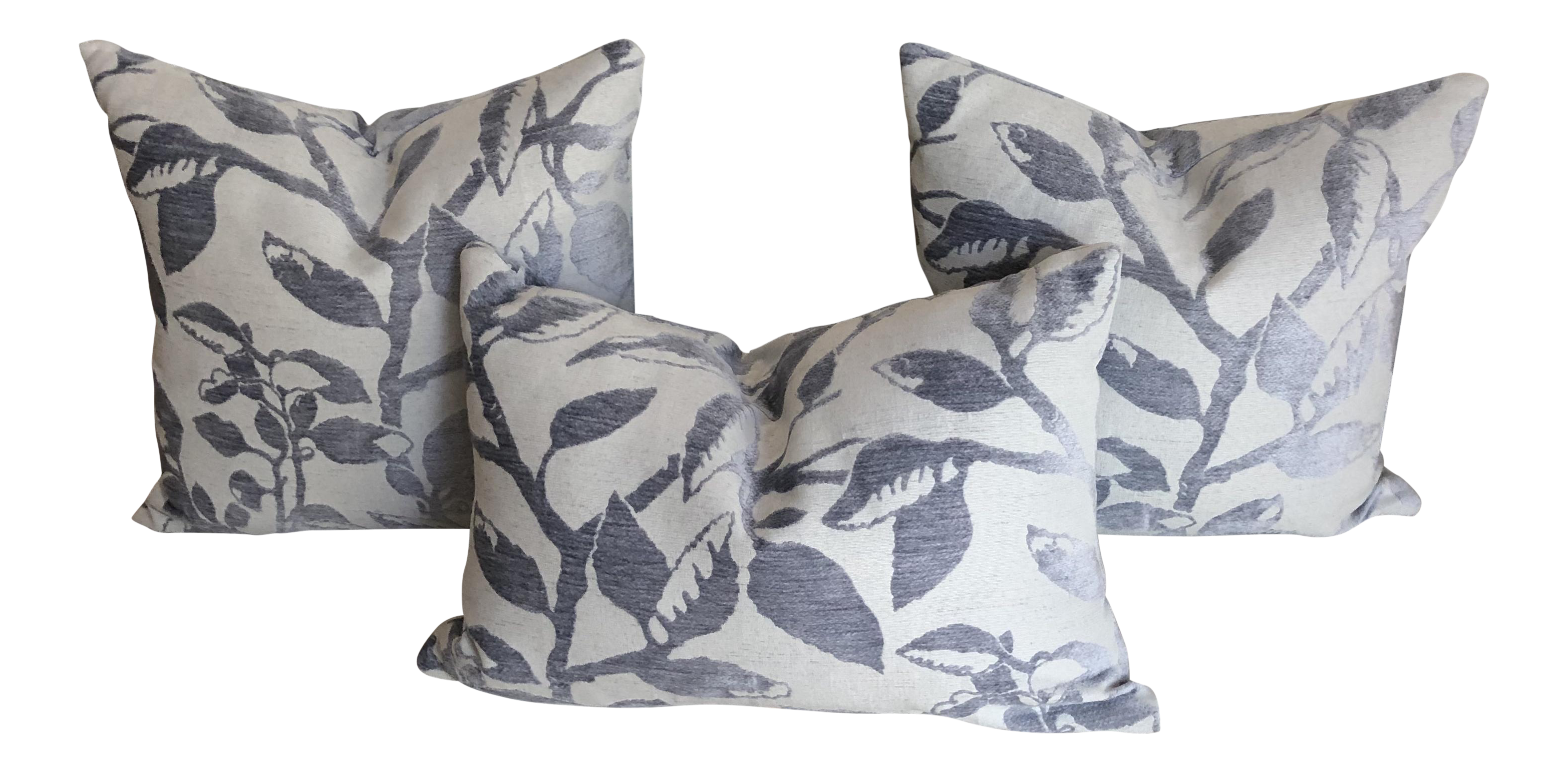 Cottage Robert Allen Blomstra In Iris Pillows With Inserts   Set Of 3