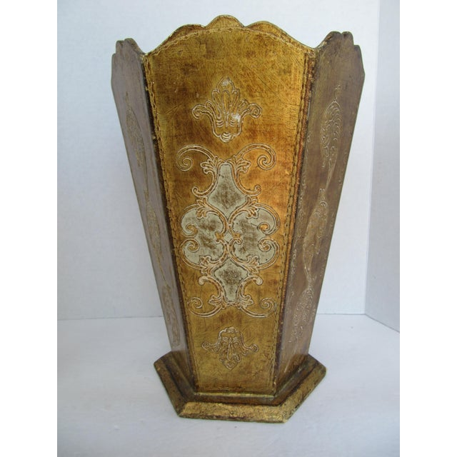 Beautiful gold Florentina wood wastebasket. Great for any room.