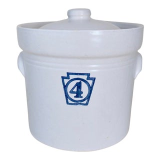 Vintage Pfaltzgraff Yorktowne Blue and White Stoneware Number 4 Kitchen Canister For Sale