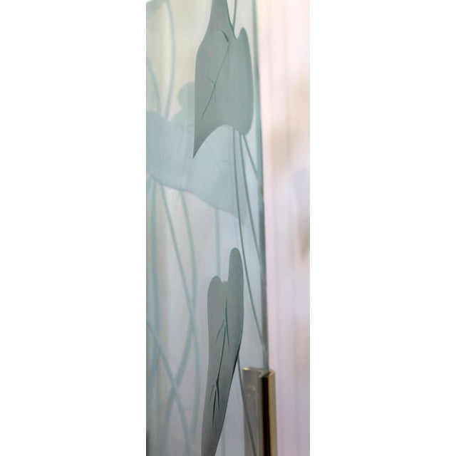 1960s Mid-Century Modern Etched Glass & Brass 3 Panel Room Divider Screen For Sale In Detroit - Image 6 of 9