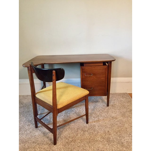 American of Martinsville Desk & Chair - A Pair - Image 2 of 11