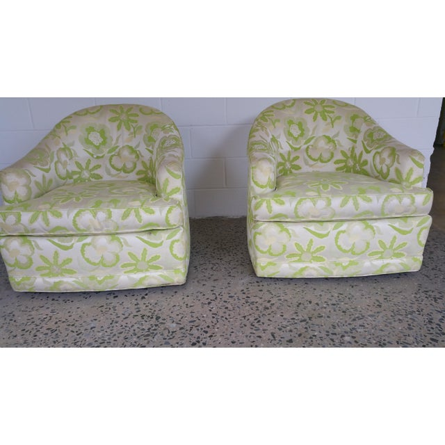 1970's Swivel Barrel Chairs- A Pair For Sale In New York - Image 6 of 6
