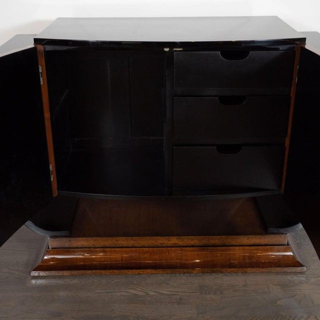 Early 20th Century English Art Deco Streamlined Black Lacquer and Burled Carpathian Elm Cabinet For Sale - Image 5 of 10