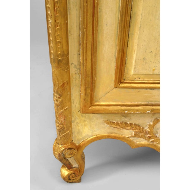 Late 18th or Early 19th Century Italian Gilt-Trimmed Commode For Sale - Image 4 of 5
