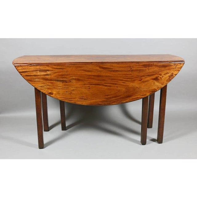 George III Mahogany Drop-Leaf Hunt Table For Sale - Image 4 of 7