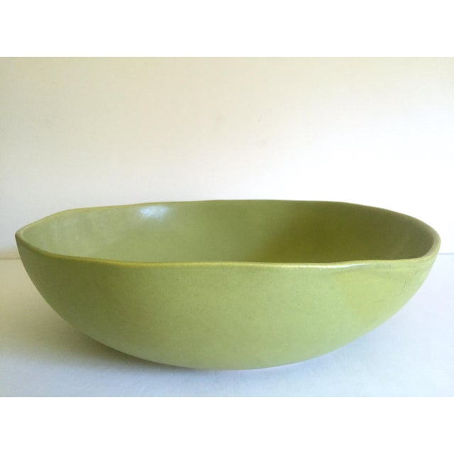 Alex Marshall Studios Pottery Vintage Organic Modernist Extra Large Chartreuse Ceramic Serving Bowl For Sale - Image 9 of 13