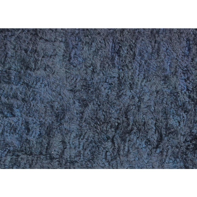 Contemporary Turkish Shag Rug. Hand woven in the Oushak region of Western Turkey, with a mix of Angora and New Zealand...