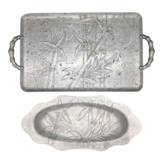 1940s-1950s Everlast Hammered Aluminum Bamboo Trays - a Pair For Sale