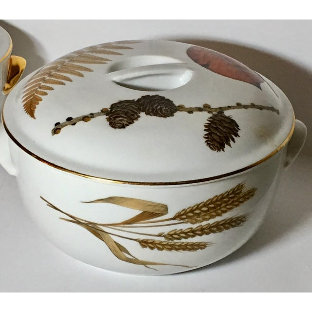 English Royal Worcester Evesham Casseroles - A Pair For Sale - Image 3 of 5