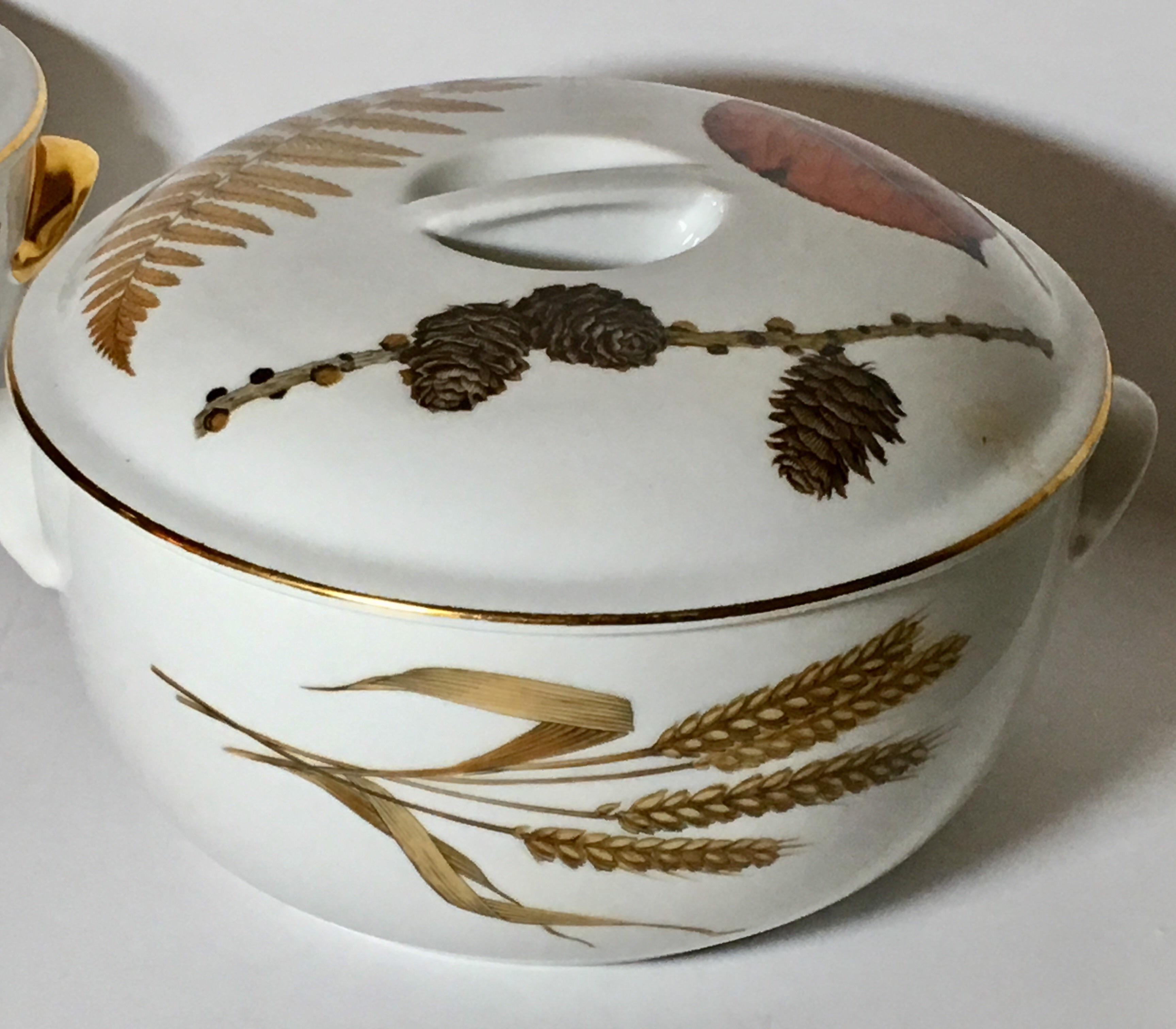 Country Royal Worcester Evesham Casseroles   A Pair For Sale   Image 3 Of 5