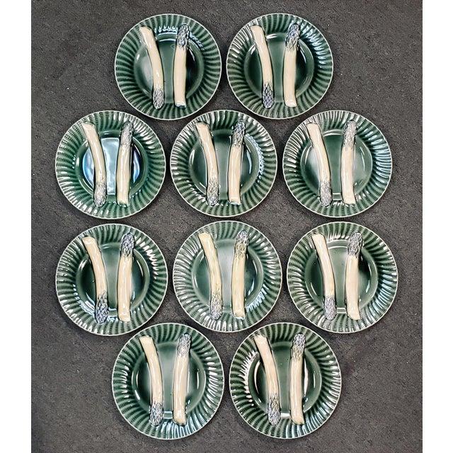 Ceramic C. 1890 French Creil Et Montereau Barbotine Majolica Porcelain Fluted Asparagus Plates - Set of 10 For Sale - Image 7 of 7