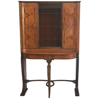 1930s Louis XV Style Inlaid and Lacquered Curio Cabinet For Sale