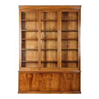 French 19th Century Walnut Louis Philippe Style Bibliothèque For Sale