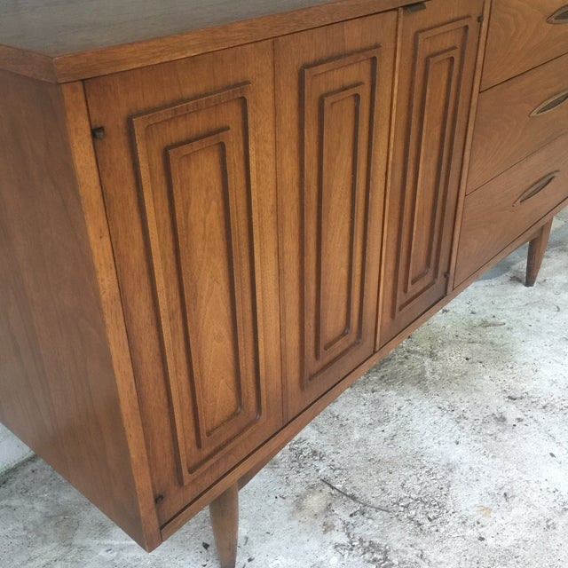 1960s 1960s Mid Century Modern Sculptra Broyhill Buffet For Sale - Image 5 of 13