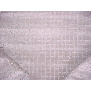 4-3/4y Lee Jofa Ed85233 Odyssey Clay Silver Metallic Velvet Upholstery Fabric For Sale