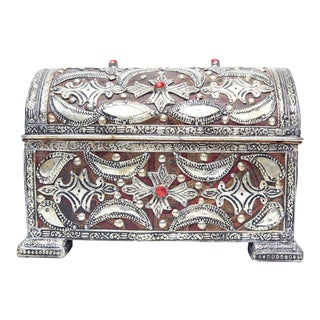 Handcrafted Silver-Coated Metal & Leather Interior Jewelry Box For Sale