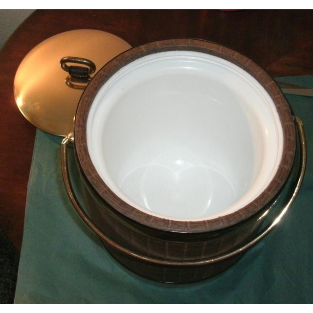 Metal Mid 20th Century Faux Wood Grain & Gold Kraftware Ice Bucket For Sale - Image 7 of 10
