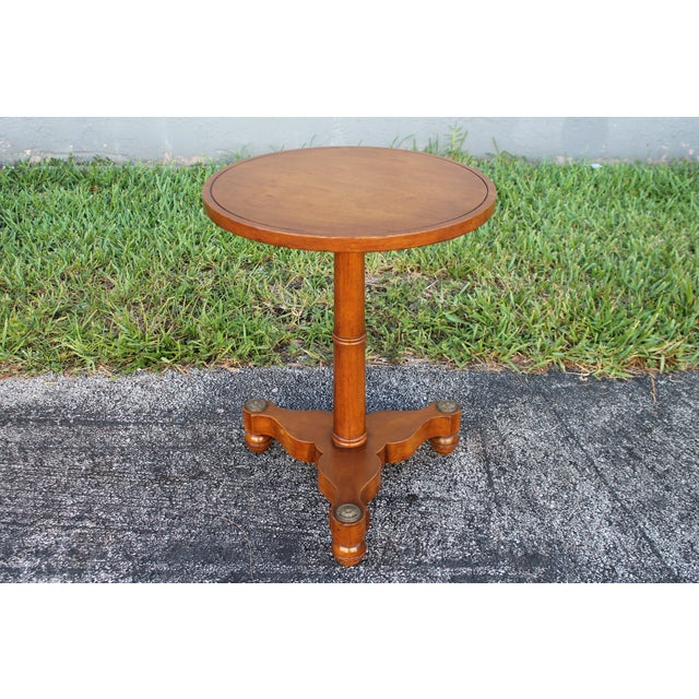 1950s Mid-Century Modern Walnut Side Table For Sale In Miami - Image 6 of 8