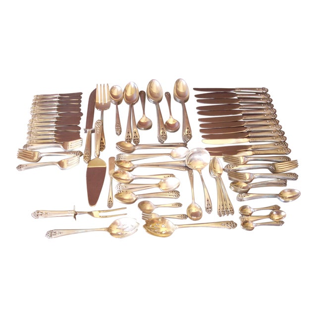 "International Sterling ""Queen's Lace"" Flatware - 139 Pieces, Service for 12 For Sale"