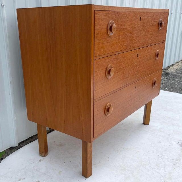 Mid-Century Modern Vintage Modern Teak Commode or Dresser For Sale - Image 3 of 13