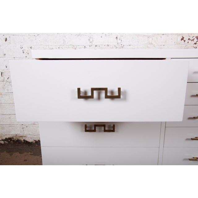 White Mid-Century Modern Hollywood Regency Chinoiserie White Lacquered Twelve-Drawer Dresser or Credenza, Newly Restored For Sale - Image 8 of 13