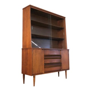 Bassett Mid-Century Modern China Cabinet / Display Case ~ Great Tv Stand For Sale