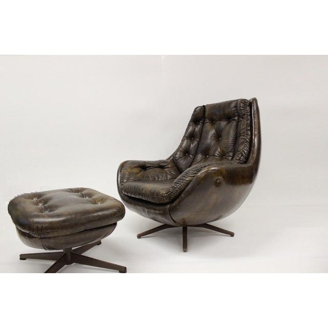 Check out this fantastic vinyl lounge chair and ottoman, super comfortable, very clean, ready to be part of your home. It...