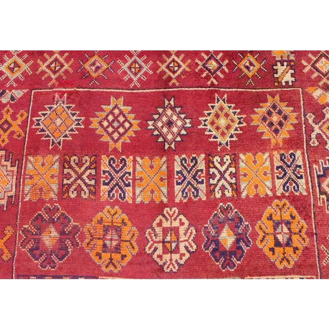 Red Keivan Woven Arts, S12-0410, Vintage Mid-Century Moroccan Rug - 5′4″ × 10′ For Sale - Image 8 of 10