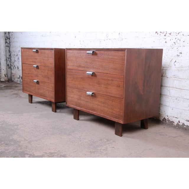 Herman Miller George Nelson for Herman Miller Walnut Three-Drawer Bachelor Chests or Nightstands, Pair For Sale - Image 4 of 10
