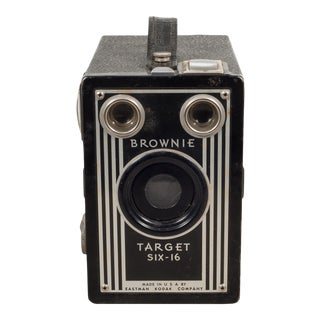 Brownie Target Six-16 Box Camera C.1946-1951 For Sale