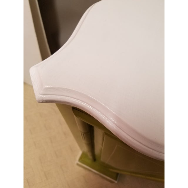 Palm Beach Regency Lime & White Painted Wood Sculpture Pedestal or Plant Stand With Faux Bamboo Trim - Image 8 of 8