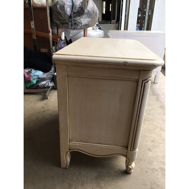 Hickory Manufacturing Company French Nightstands- A Pair - Image 7 of 11