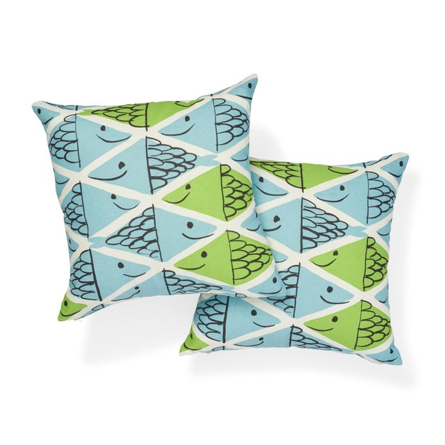 Contemporary Schumacher X Vera Neumann Fish School Pillow in Aqua & Leaf For Sale - Image 3 of 6