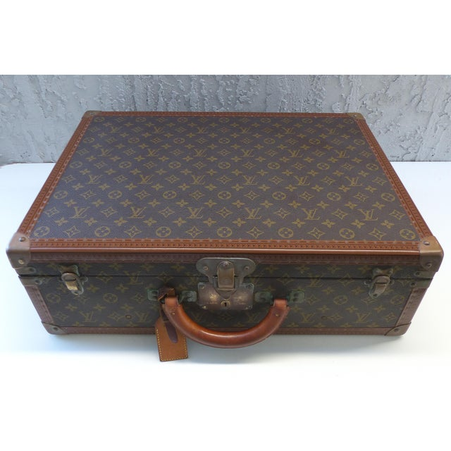 Mid-Century Modern Louis Vuitton Hard Case Suitcase, 1950s For Sale - Image 3 of 11