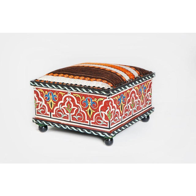 Done in the Moucharabieh style using hand-painted wood, the pleasing geometrical patterns and Moorish arches combine with...