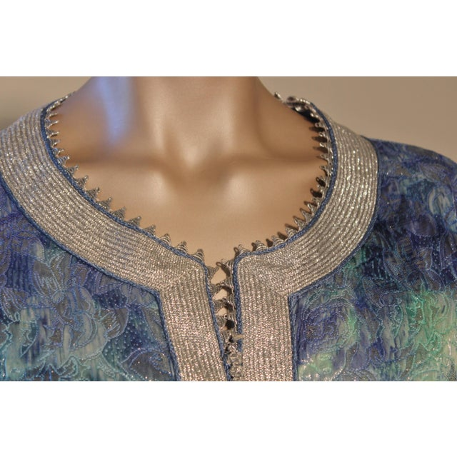 1970s Moroccan Caftan Maxi Dress Brocade Aquamarine Blue and Silver Size M to L For Sale - Image 5 of 11