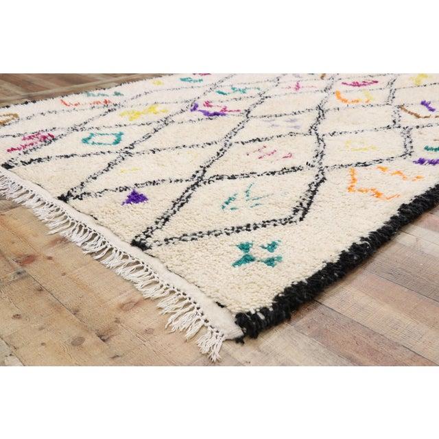 Moroccan Contemporary Berber Azilal Rug - 06'01 X 09'01 For Sale In Dallas - Image 6 of 10
