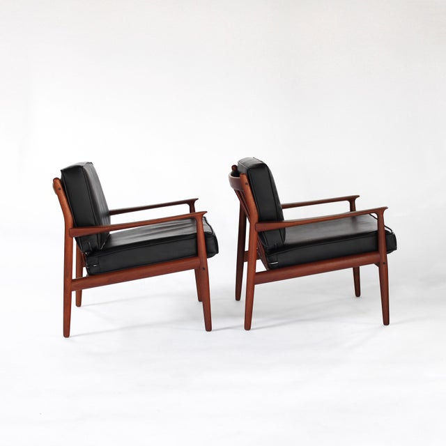 Presenting this lovely pair of Danish Modern Teak model GM5 easy chairs designed by Svend Åge Eriksen for Glostrup...