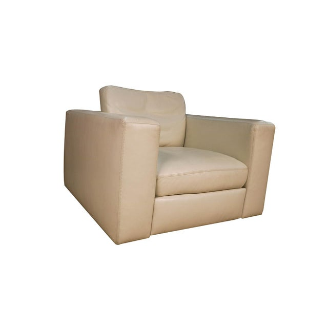 Mid Century White Leather Swivel Armchair for Design Within Reach For Sale - Image 11 of 11