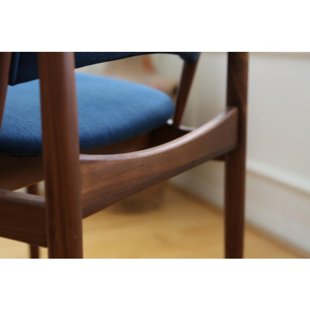 Teak Mid Century Modern Teak Dining Chairs in Navy Blue - Set of 8 For Sale - Image 7 of 11