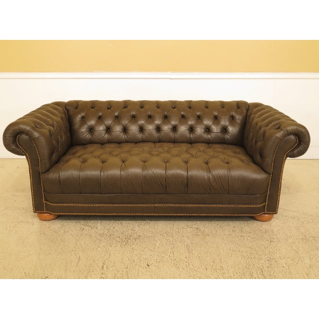 Terrific Green Tufted Leather Chesterfield Sofa Spiritservingveterans Wood Chair Design Ideas Spiritservingveteransorg