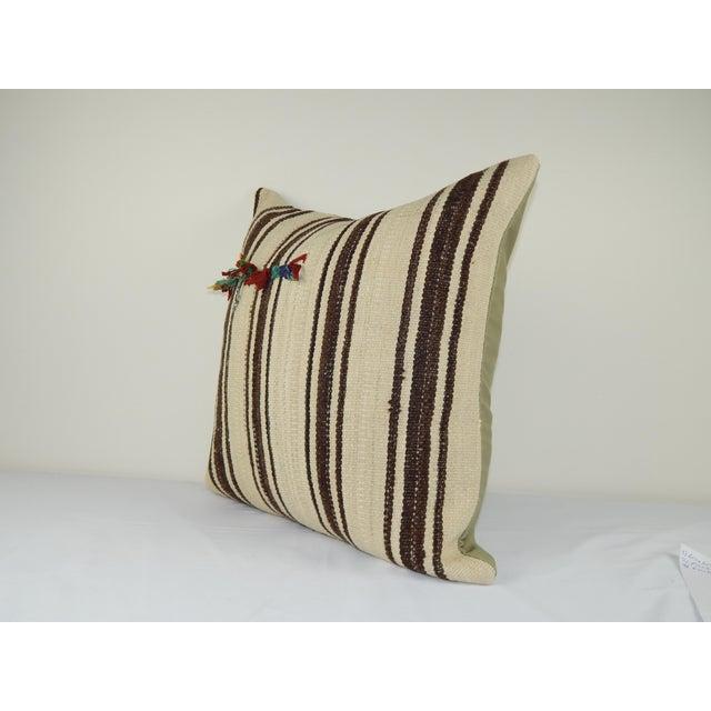 "Mid-Century Modern Vintage Turkish Hemp Kilim Pillow Cover 24"" X 24"" For Sale - Image 3 of 5"