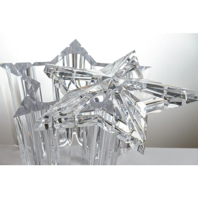 Mid-Century Modern Lucite/Acrylic Star Shape Ice Bucket - Image 3 of 11