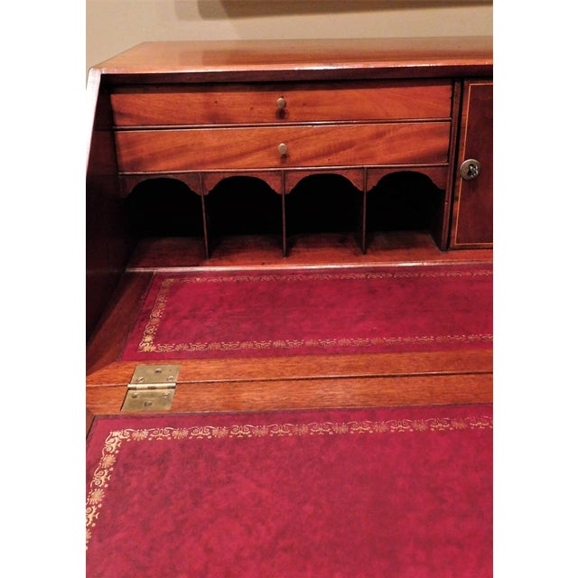 Brown Pollarded Walnut Oxbow Chippendale Fall-Front Desk, Massachusetts, circa 1780 For Sale - Image 8 of 13