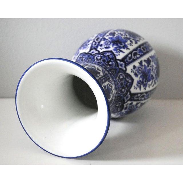 Ardalt Vintage Blue and White Italian Porcelain Vase For Sale - Image 4 of 6