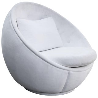 "Stunning ""Egg"" Swivel Chair by Milo Baughman for Thayer Coggin For Sale"