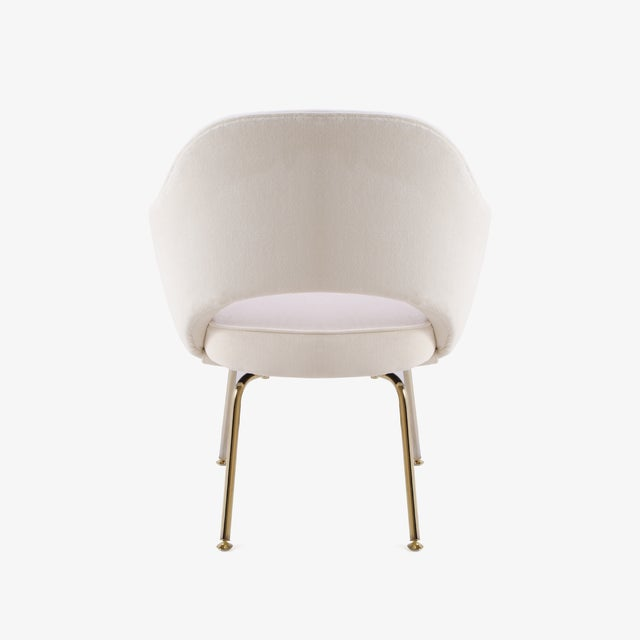 Saarinen Executive Arm Chairs in Crème Velvet, 24k Gold Edition - Set of 6 For Sale In New York - Image 6 of 11