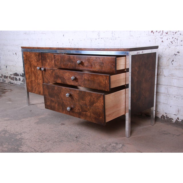 Brown Tomlinson Mid-Century Modern Burl Wood and Chrome Sideboard Credenza, 1970s For Sale - Image 8 of 13